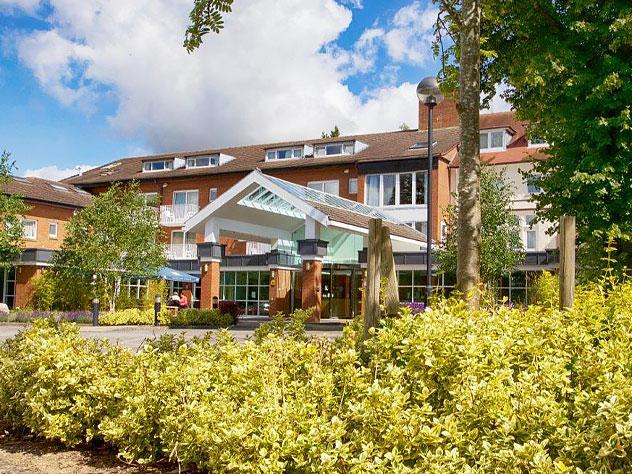 Regency Park Main Hotel